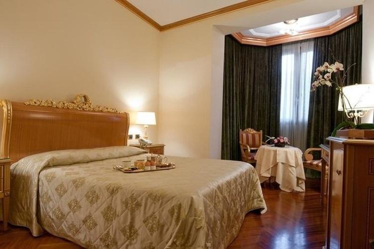 Camera superior hotel marconi milano