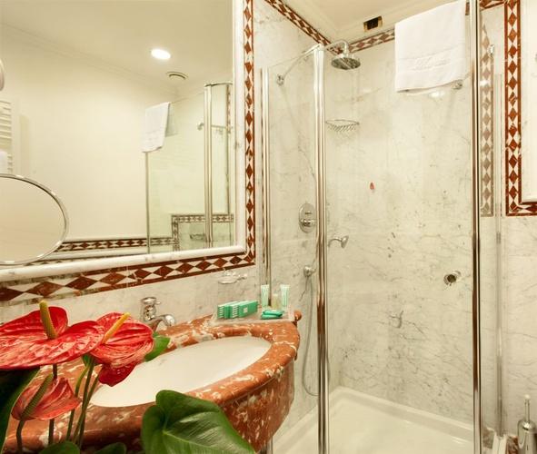 Bagno hotel marconi milano